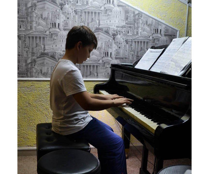 Уроки игры на фортепиано в Сочи