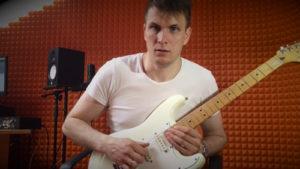 Как играть на гитаре флажолет?